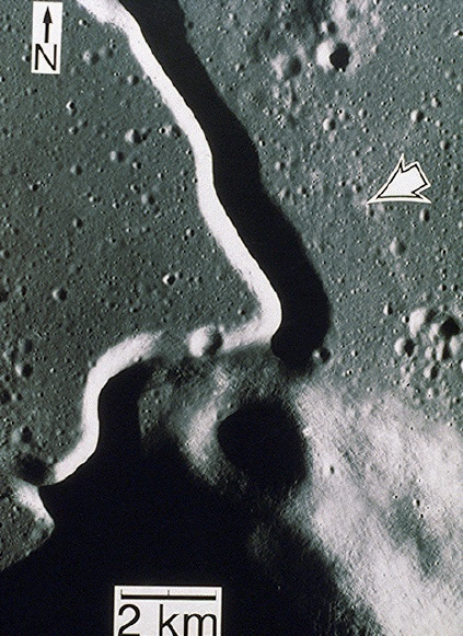 Higher resolution image of Apollo 15 landing site